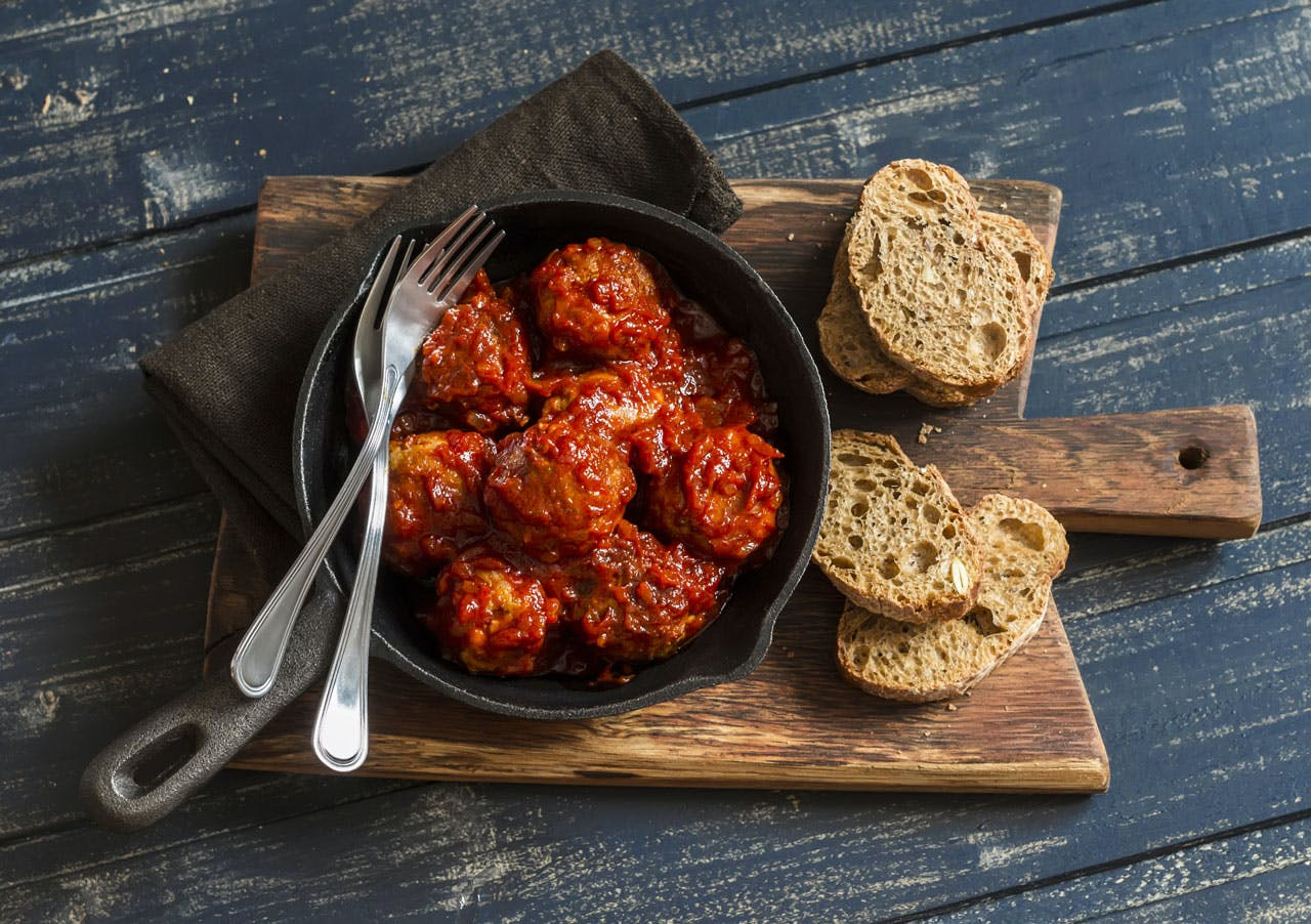 Meatballs in Red Sauce Image